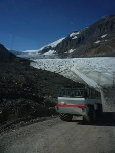 Columbia_icefield1